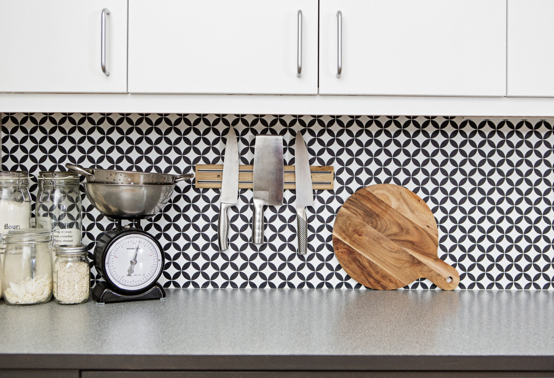 kitchenwalls backsplash wallpaper circle