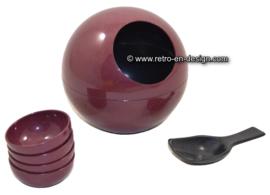 Vintage Bordeaux red plastic Peanut ball '60s