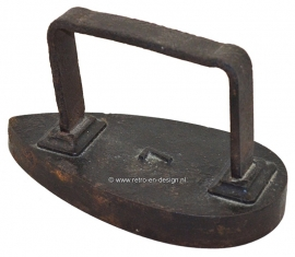 Antique iron number 7