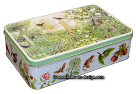 Vintage Verkade biscuit tin with images of flora and fauna