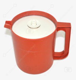 Vintage Tupperware pitcher, low model in red-brown, 1.5 litre