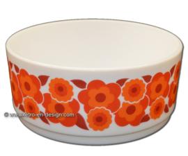 Vintage large round fruitbowl, oven dish Arcopal France, Lotus