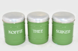 Ensemble de trois boîtes de rangement émaillées en brocante pour café, sucre et thé en vert réséda