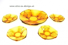 Amber pastry bowl