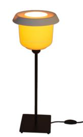 """""""Batter"""" Retro-Vintage Tupperware tafellamp in geel-wit."""