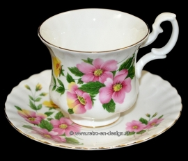 Porseleinen theekop en schotel Royal Albert, Bone China England