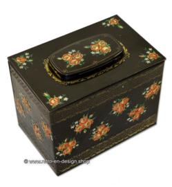 Vintage tin box with roses and myosotis