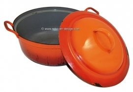 Large brocant cast iron orange-red enamel casserole