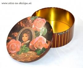 Cookie jar. Roses / Gypsy child