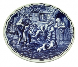 Boch, Crockery decorative plate Delfts. Domestic outdoor scene Ø 29 cm