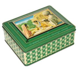 "Lata rectangular verde, ""té Assam"", té indio bebiendo damas en la tapa"