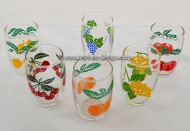 Set of six vintage '70s juice glasses with fruit pattern