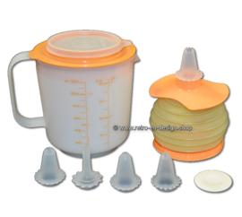 Tupperware Harmoni-Kaatje garneerset 450 ml. en  EZ Mix 'n Pour maatbeker 1,2 liter