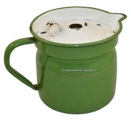 Esmalte reseda verde caja de leche con el accesorio de oro, tapa blanca