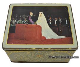 Vintage huwelijksblik van Victoria biscuits, trouwerij Koninklijk echtpaar