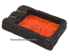 Vintage orange / red glazed earthenware ashtray from the 60's - 70s, made of chamotte clay