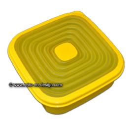 Gele Tupperware Adapta bewaardoos met Flexibel deksel, 1,2 liter.