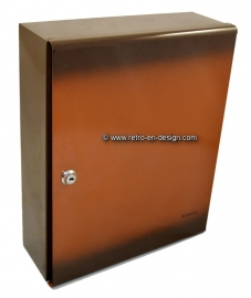 Retro-vintage Brabantia medicine cabinet from the '70s, brown