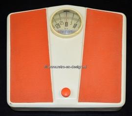 Vintage orange / white scale by Brabantia