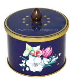 Bote de hojalata vintage con pomo y decoración floral de narcisos, lirios y mariposas de Côte d'Or