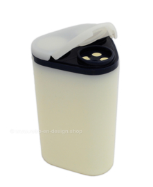Tupperware pour N serve - Dredge shaker
