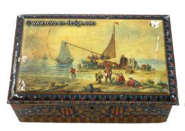 Vintage tin box.  Pette cacaopoeder Wormerveer