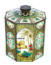 Vintage la lata octogonal con imágenes de las pirámides y la esfinge