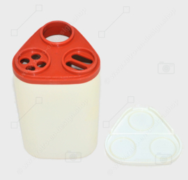 """Tupperware """"pour N serve"""" in red-brown and white- pourer or spreader for sprinkles, parmesan cheese and more..."""
