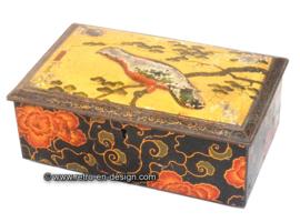 Vintage Chinese, Oriental tin with bird