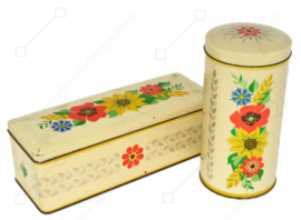 Biscuit and gingerbread tin by Verkade with a floral motif
