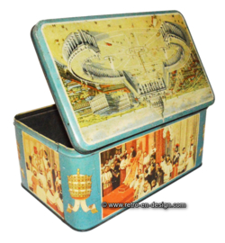 Big vintage tin with image of St. Peter's Square, Vatican