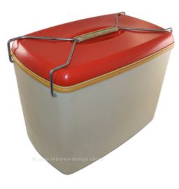 Vintage 60s-70s Cooler or Frigobox made by Curver in red / white
