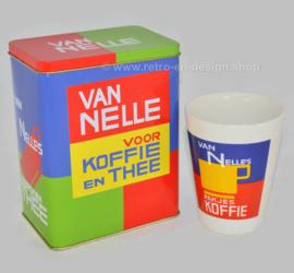 Van Nelle koffie en theeblik met bijpassende conische aardewerk beker