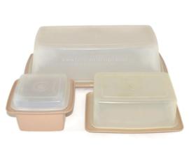 Vintage Tupperware Tischset bestehend aus einem schlanken Küchenbehälterer, einer Butterdose und ein Marmeladenbehälter
