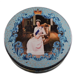 Vintage tin drum on the occasion of the silver jubilee of Queen Elizabeth in 1977