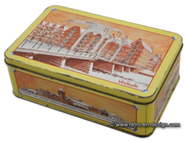 Tin for biscuits by Verkade with images of Amsterdam in winter