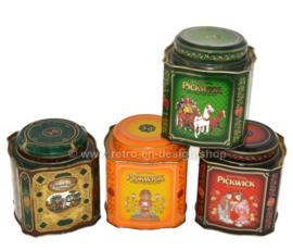 Serie van vier vintage theeblikken voor Pickwick Thee van Douwe Egberts