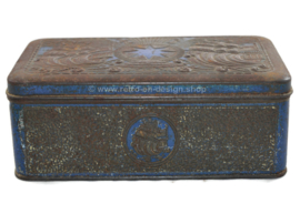 Tobacco tin in blue/silver with embossed decorations of ships for star-tobacco by Niemeijer