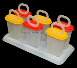 Tupperware icemaker, ice popsicles. Molds with holder