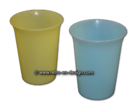 Vintage tupperware 'Bell cup' of 'curled' bekers
