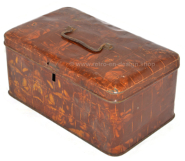 Old brocante-vintage tin bread box with handle