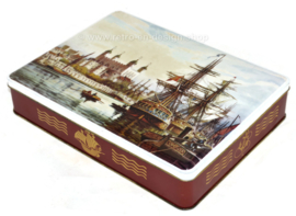Vintage cigar tin with an image of galleons and the Tower of London