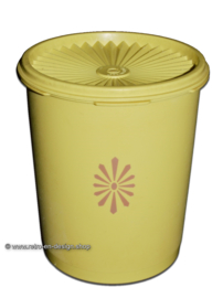 Vintage yellow Tupperware servalier canister h. 15,5 cm.