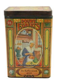 Vintage blik Douwe Egberts. De koffie wordt in deze bus bewaard