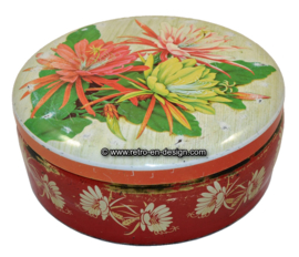 Large round brocante cookie tin or biscuit tin