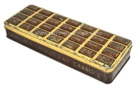 Langwerpige brocante blikken doos met reliëfdeksel voor Carro's, chocolaad van DRIESSEN