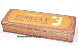 "Vintage purple/gold tin with hinged lid, ""TJOKLAT, Camée. Pastilles"""