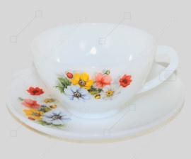 """Vintage kop en schotel met veldboeket """"Anemones"""" van Arcopal France"""