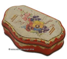 Vintage/Brocante theeblik van de Gruijter met lentebloemen, rood