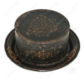Antike runde dekorative Dose mit dazugehöriger Untertasse